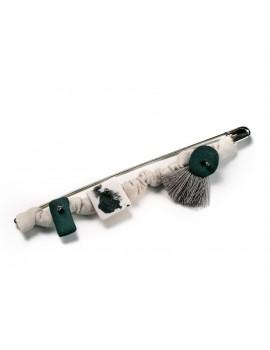 Spilla con elementi in porcellana e maglina di cotone - Brooch